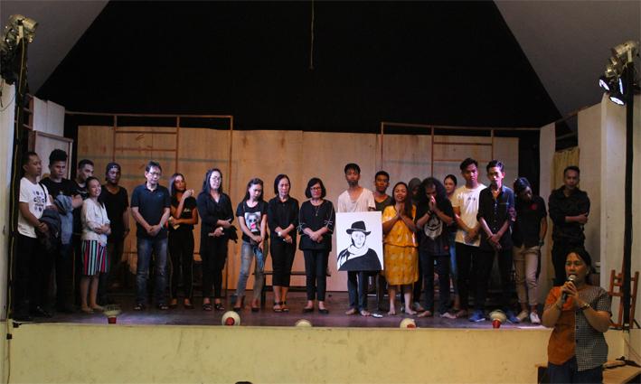 Pentas Sastra Mengenang Almarhum Johny Sangeroki di Balai Bahasa Sulawesi Utara